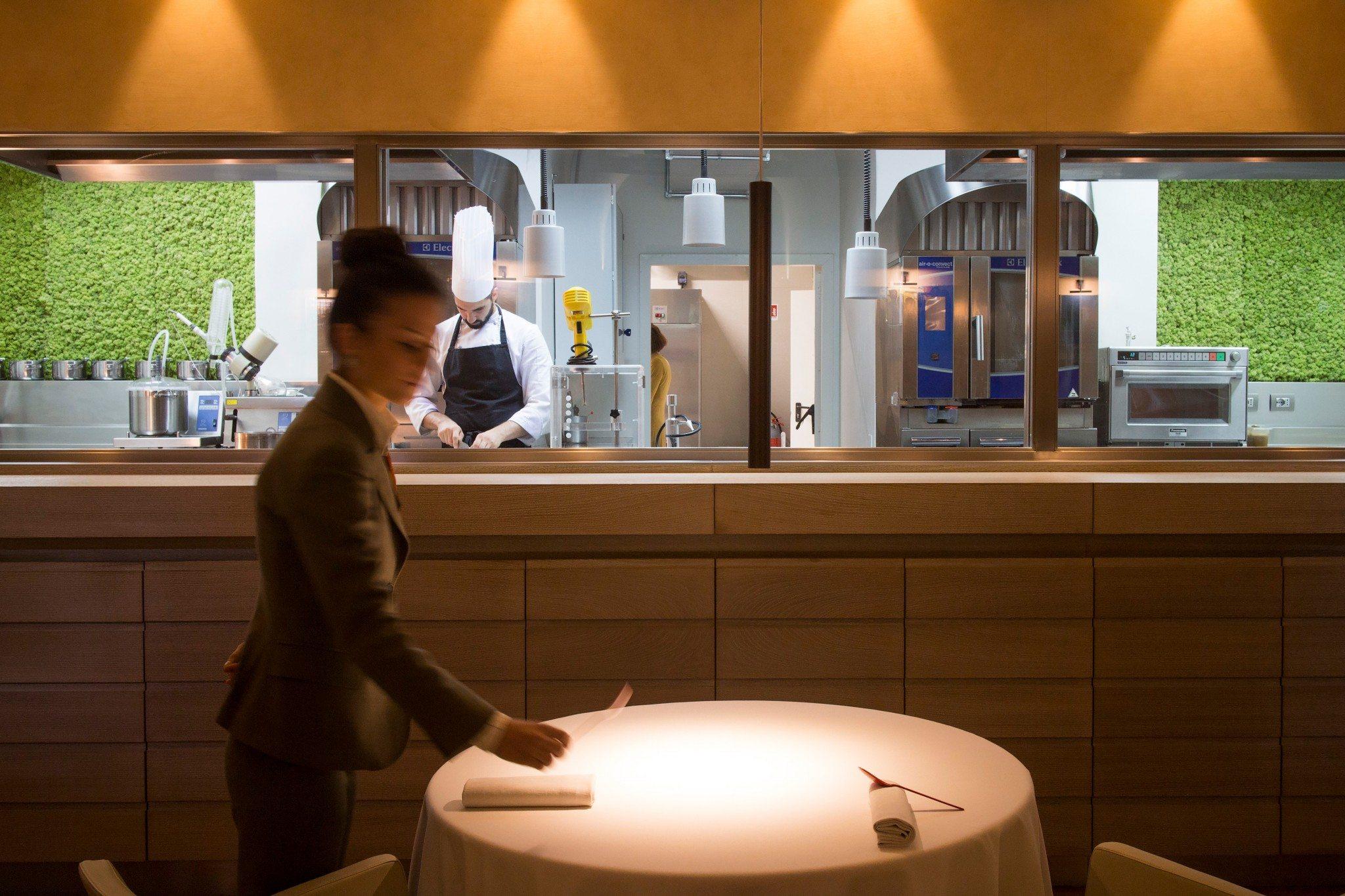Atman di igles corelli tra i ristoranti pi belli d italia for Enormi isole di cucina