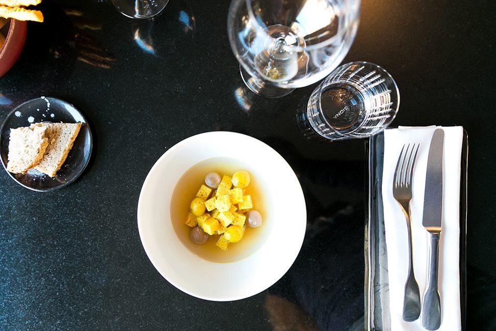 Fourghetti Zuppa imperiale in brodo di cappone, polpettone di bollito, parmigiano e macis
