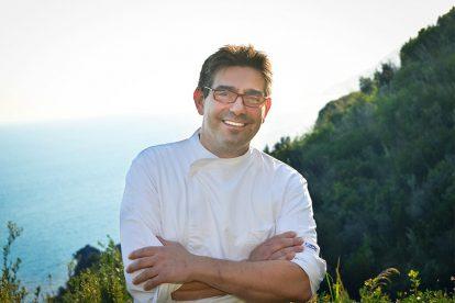 Lo chef del ristorante Faro di Capo d'Orso, Pierfranco Ferrara