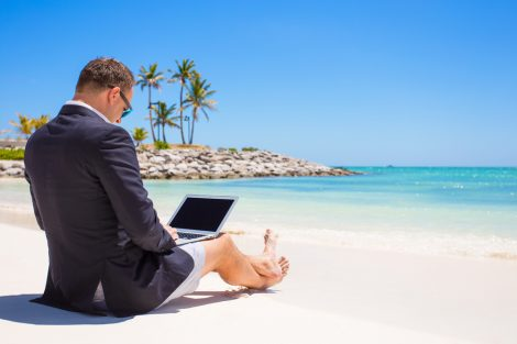 smart-working-mare-spiaggia-montagna